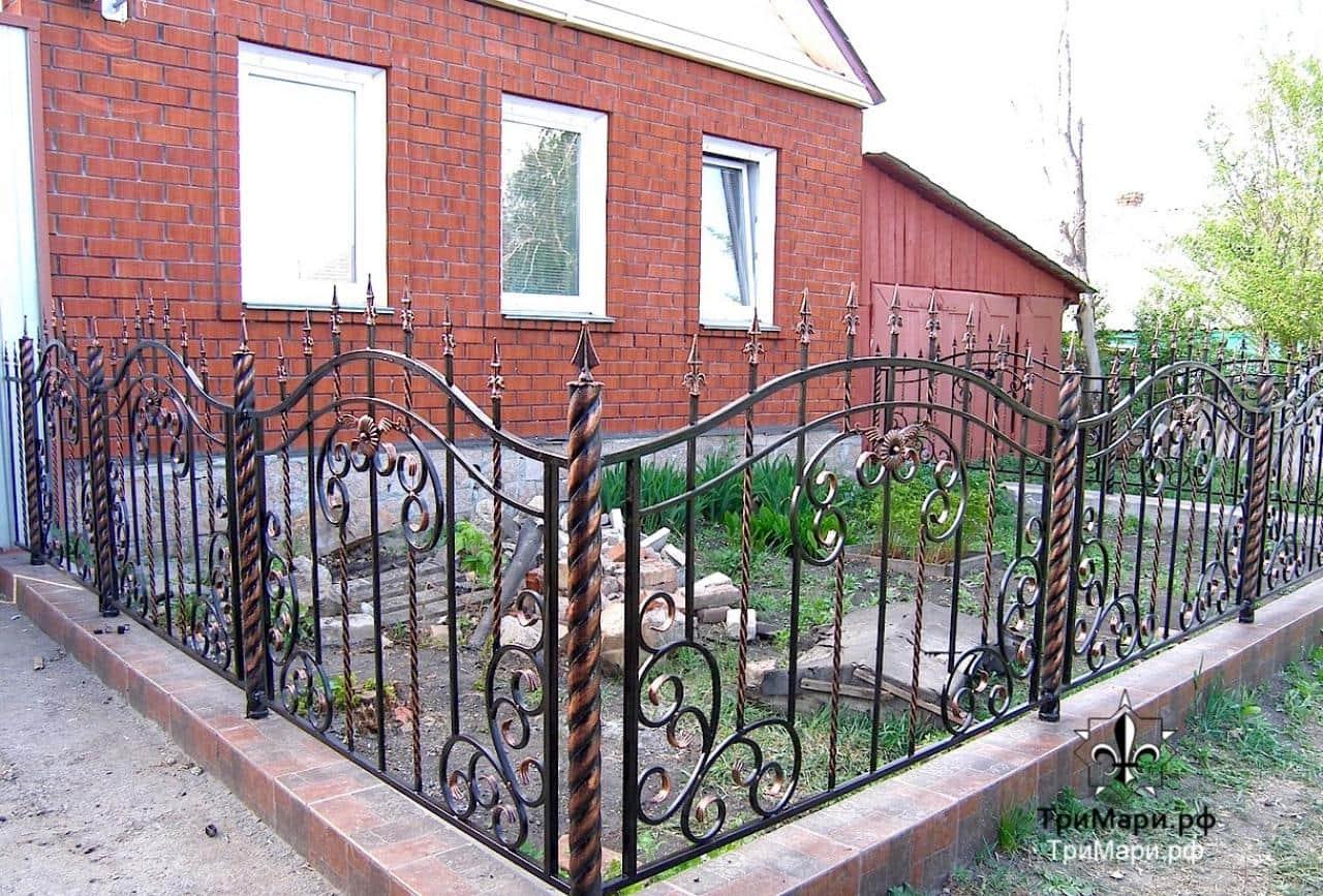 Забор возле дома своими руками 39